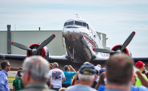 Warbird Rendezvous at CWA - Crown viewing large planes
